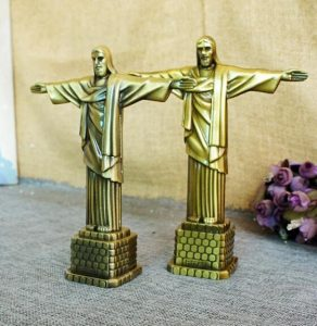 BrazilJesus Figurine lapel pin