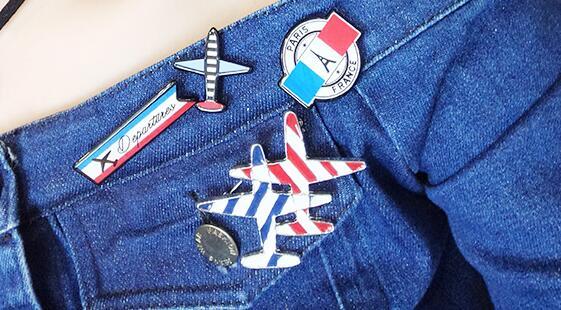 Custom enamel airplane lapel pins